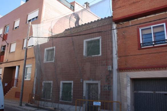Demolición de edificio en Miralbueno
